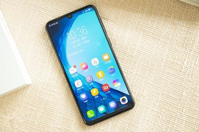 千元机也有性价比!细数10月最新发布手机