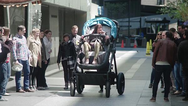 成人版婴儿车