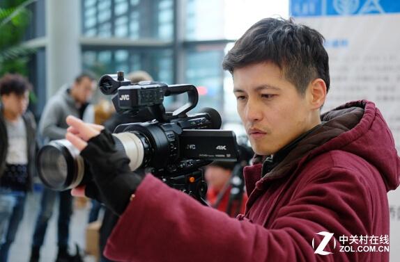 功能全面画质高 JVC 4K摄像机LS330试用
