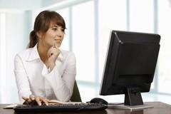 真的尴尬 口号喊完女性还是远离计算机