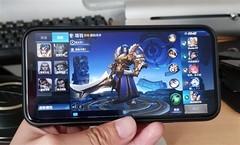 王者荣耀终于适配iPhone X 然而刘海处还有黑边