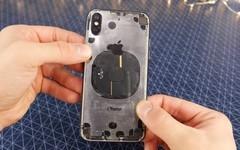 城会玩 国外大神手工打造iPhone X透明版