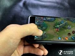 iPhone X玩《王者荣耀》什么样? 这视野吓一跳