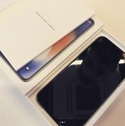 竟有镜面效果 国外网友曝光银色iPhone X真机