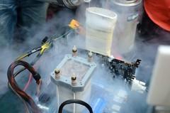 直播液氮实验意外 女主持吓懵 液氮是什么?