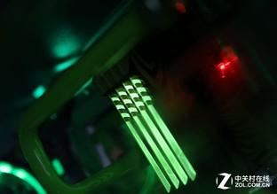 视觉系全定制 迎广805爆改科幻水冷机