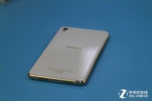 康佳S1评测:双2.5D玻璃带给你温润触感