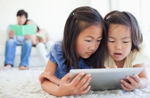 技术拯救世界 熊孩子沉迷网络世界? 不存在的