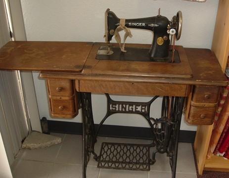 当缝纫机装上显示屏 中国大妈坐不住了!