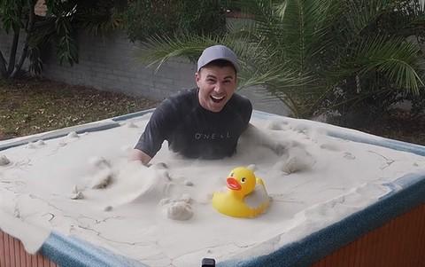 """工程师利用""""流化床""""原理将沙子变成""""液体"""""""