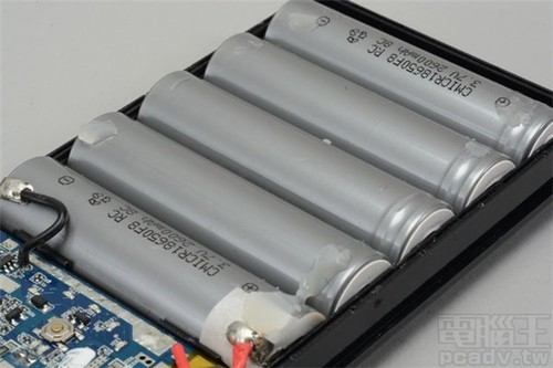 移动电源如何选?玩家自组18650锂电池盒