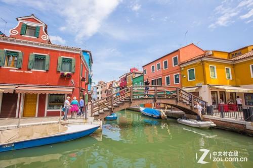 威尼斯彩色岛的房子