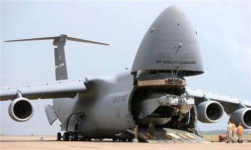 """世界最大飞机!科教 因""""暴风雪号""""而生"""