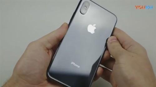 iPhone X暴虐测试:尖刀、大锤轮番狂殴 结果惨烈