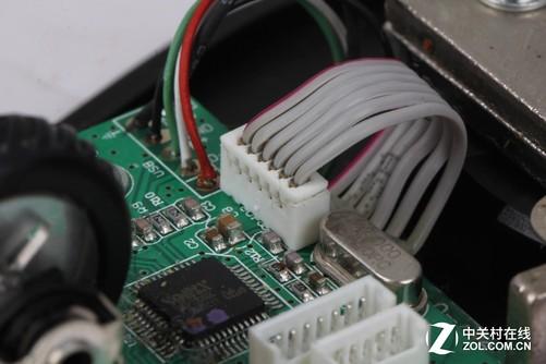 华硕gx900游戏鼠标采用双电路板设计