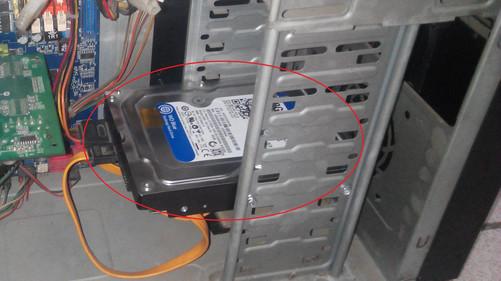 机械硬盘_老式机箱装机械硬盘