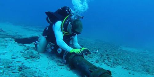 间铺设跨大西洋海底电缆
