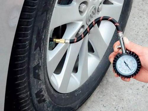 冬季汽车保养(i)轮胎 胎压正常很关键