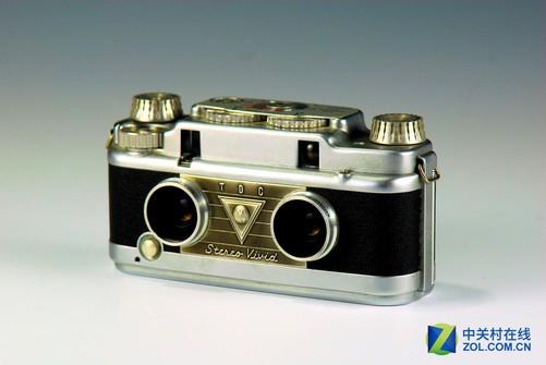 实际上,最早我们见到的双镜头设计是这种立体相机,用以拍摄立体照片图片