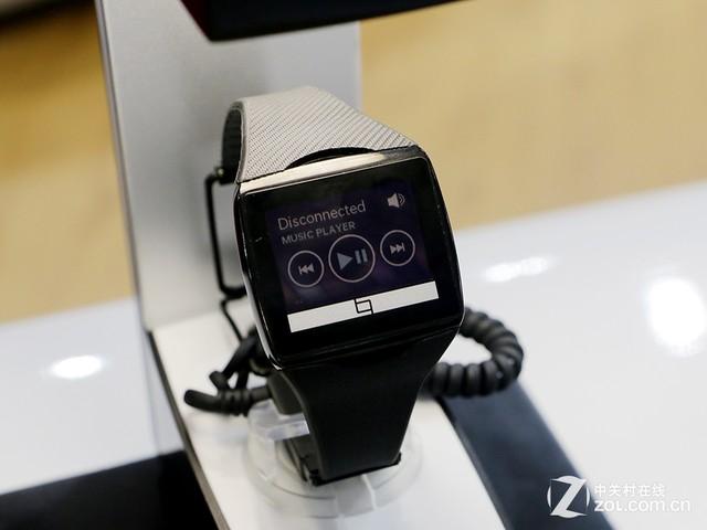 无线充电长待机 高通展低功耗智能手表