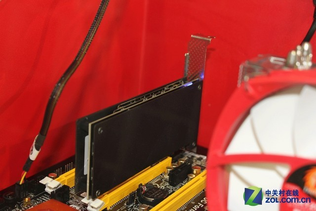 DDR4情何以堪 宇瞻DDR3内存狂超3450MHz