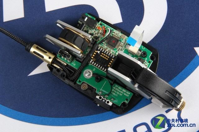 骨伽700m游戏鼠标下层电路板展示