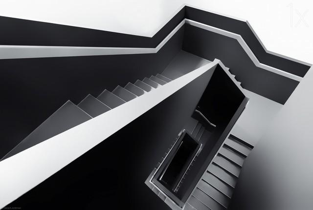 线条带来的美感 楼梯也能作为摄影主角
