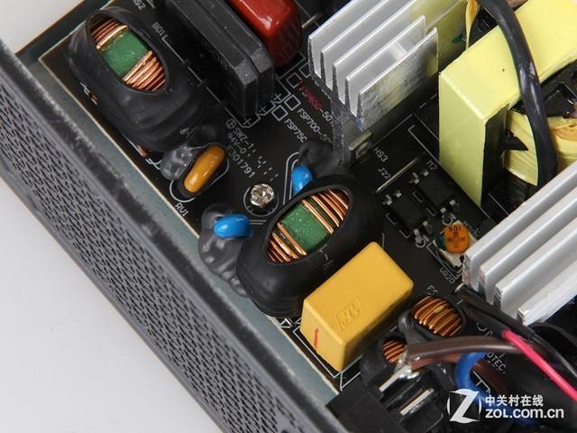 电源在一级emi电路中使用了一个x电容和一对儿y电容,二级emi滤波