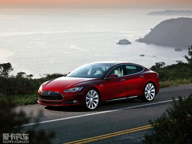 特斯拉model s是智能化汽车的代表(图片来自爱卡汽车)高清图片