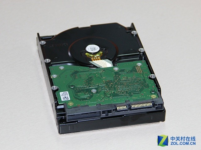 波波斯基:测试HGST 7K6000 6T硬盘有感