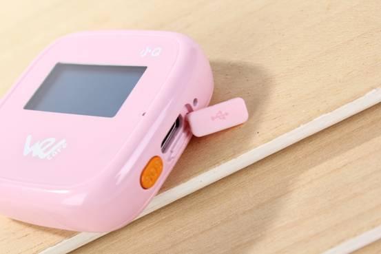 微守护小q外形呆萌,功能强大,从外观设计到内置功能都为儿童和老人