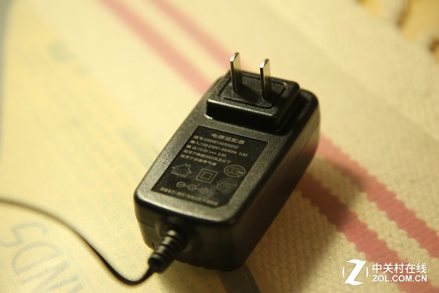 轻松跑暗黑3 昂达V116w Core M平板评测