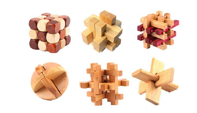 经典二:孔明锁     孔明锁也是中国传统的智力玩具