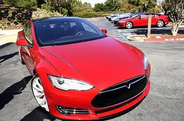 Model S被曝存漏洞:特斯拉紧急发补丁