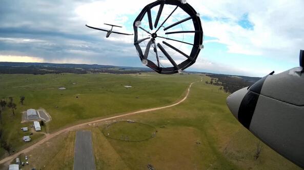 全球第一 新西兰无人机也来空中加油?