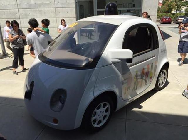 谷歌无人驾驶汽车内饰曝光:真没方向盘