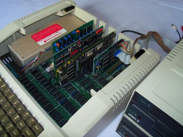 apple ii同样搭载mos tech的6502处理器,不过沃兹尼亚克却别出心裁的