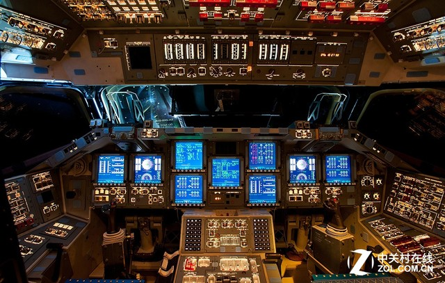 天使与魔鬼6:走进神秘的飞机驾驶舱中