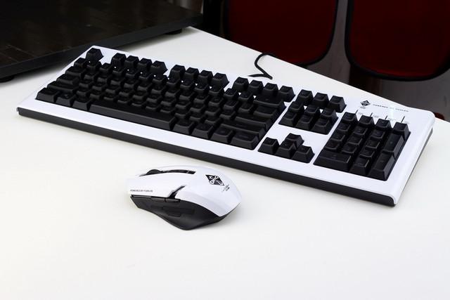 富勒OMG定制版键鼠装备预售开启!