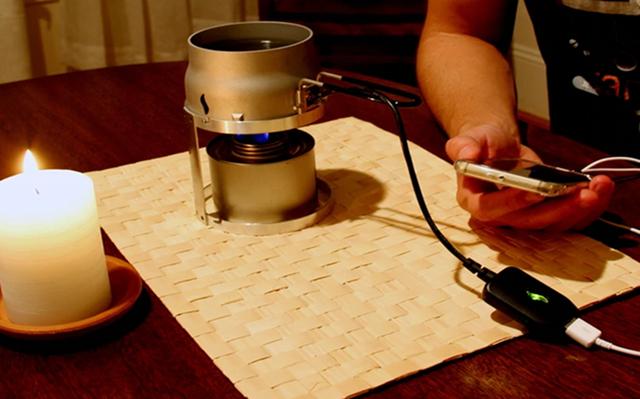 腦洞大開 用蠟燭給手機充電順便泡茶