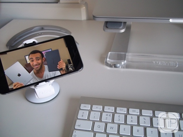 新奇配件:iPhone6可旋转桌面车载支架