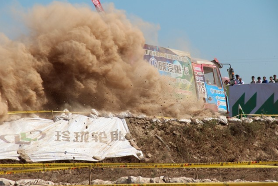 E途邀您观看全国超级卡车大赛襄阳站!