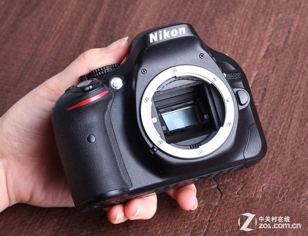 x1 mh-24充电器 x1 an-dc3相机背带 x1 uc-e17 usb连接线 x1 eg-cp16