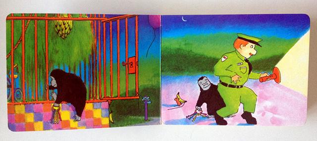 Good Night Gorilla 2. Good Night Gorilla,中文版书名:晚安,大猩猩   此书全文始终是一句话对各个动物说Good night。绘本主要内容是在夜晚,动物园要关门了,管理员去和每一个动物们说晚安。大猩猩偷偷拿了管理员的钥匙,然后把动物们都放出来,他们一起去了管理员的住处。在管理员家中的墙壁上我们可以看到,管理员和动物们的合影留念照,此时,浓厚的情谊让我们心里暖暖的。   绘本作者Peggy Rathmann还有另外一本著名的作品,Officer Buckle and