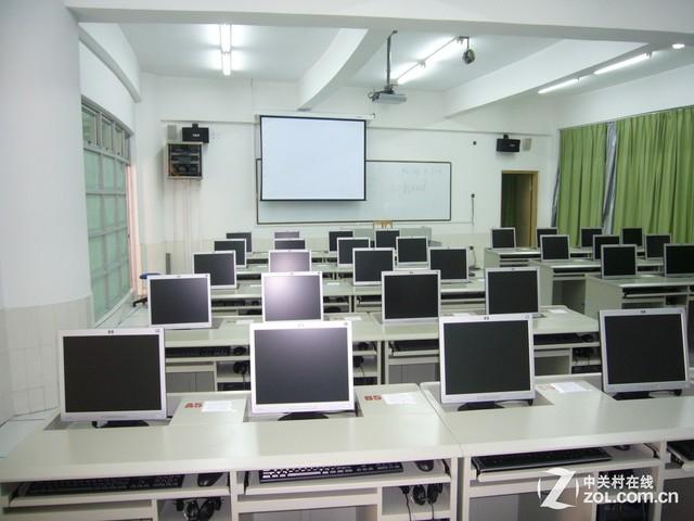 学校投影如何选?解析用户重要关注点