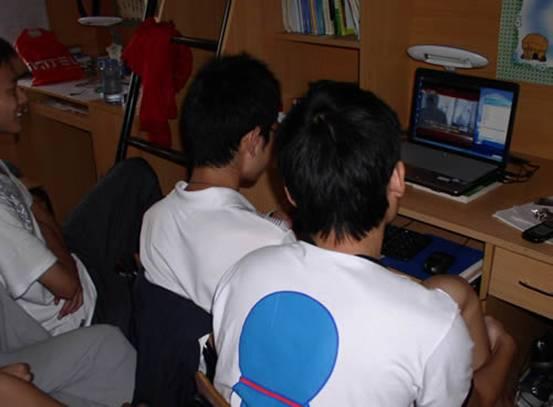 神画X1新学期特别策划:搭建大屏宿舍影院