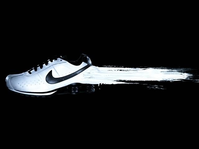耐克玩逼格 用全息增强现实设计运动鞋