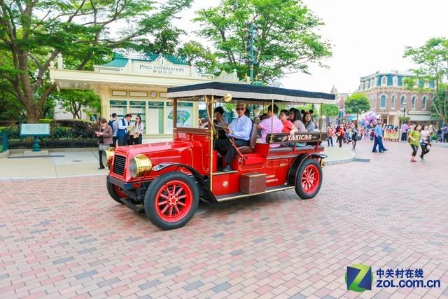 父亲C游世界 游香港最乐乐的迪士尼乐土
