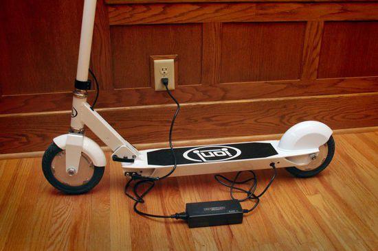 这不是儿童玩具!智能电动滑板车问世  完