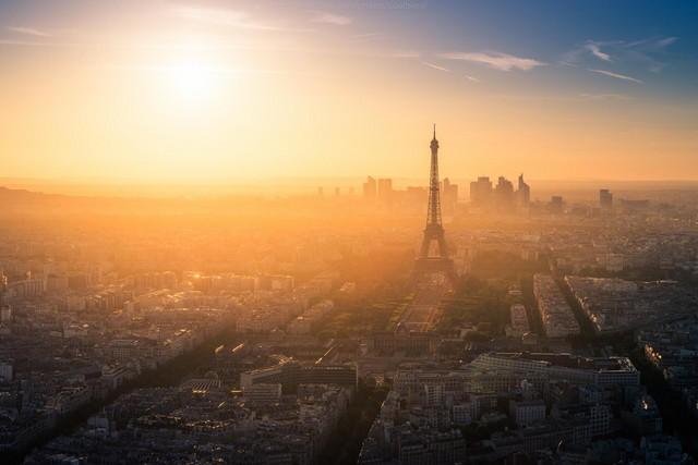 巴黎的象征埃菲尔铁塔